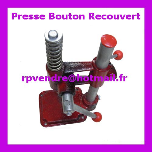 Presse pour bouton recoiuvert